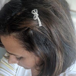 Crystal Bowtie petite haircomb silver tone
